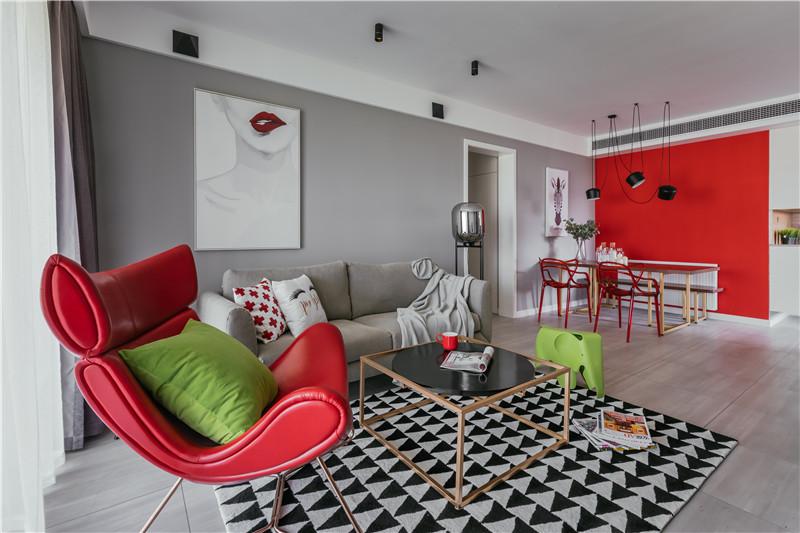 100平米紅綠撞色裝修,三房二廳撞出不一樣的火花